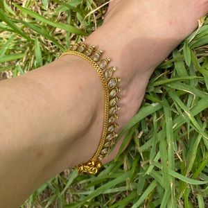 Gold anklet/payal